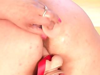 aged bbw anal toy