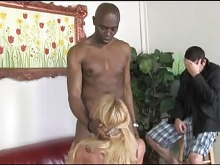 taylor wane blonde mama performing a hard engulf
