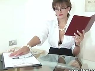 cuckolds wife sucks dick
