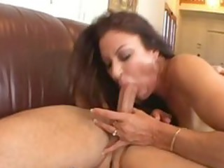 milf getting muffed
