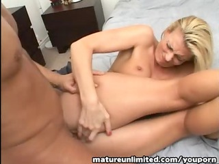 d like to fuck like to gulp my sperm....