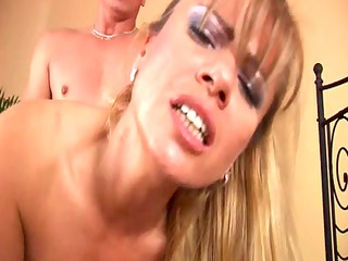 adele blond mother id like to fuck with big bra