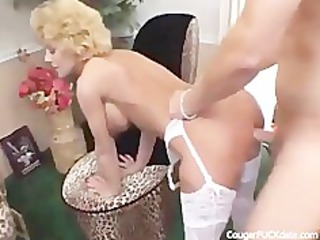 cougar in stockings likes it is hard