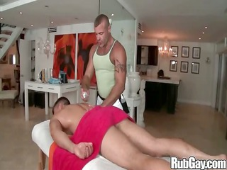 rubgay muscle fellow massage