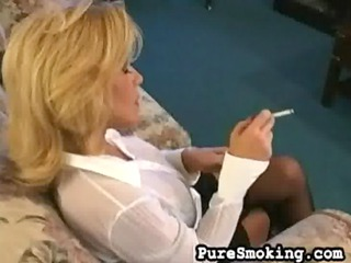 older sammie sparks smokin and playing (short
