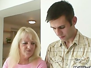 she is fucks her son in law after pair of drinks