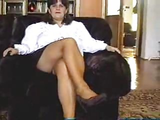 mom undresses then receives her pussy licked