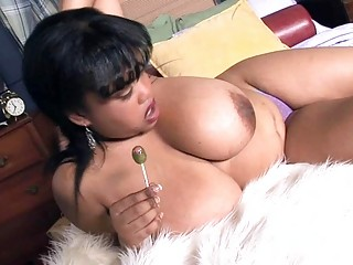 mega breasted ebon d like to fuck shows off her
