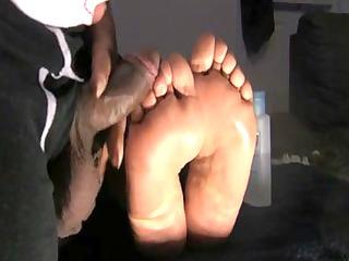 wifes idle feet jack off giant muddy load!!!