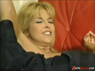 mature housewife screwed on red couch